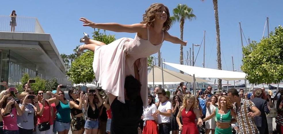 Los actores de Dirty Dancing se pasean por Málaga