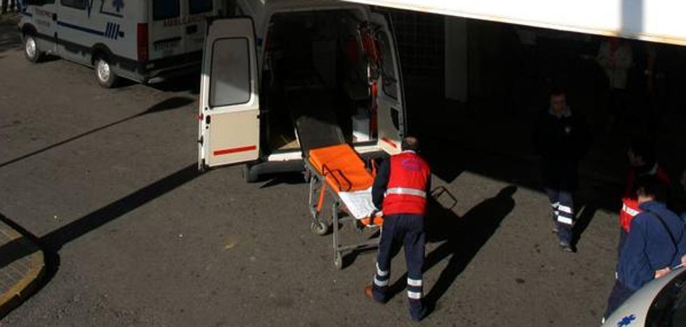 Herido un hombre al cortarse la mano con una radial en su casa de Alhaurín de la Torre