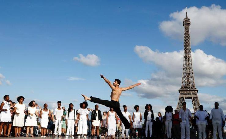Un coreografo sirio realiza una exhibición en París