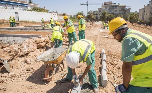 Torremolinos habilita 70 parcelas para su primer huerto - Huerto urbano malaga ...