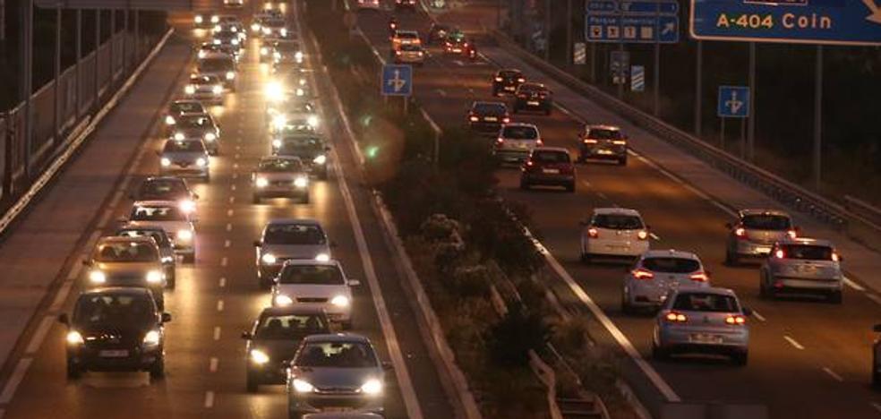 Caravanas de casi 30 kilómetros en las autovías de Málaga por la vuelta de las playas