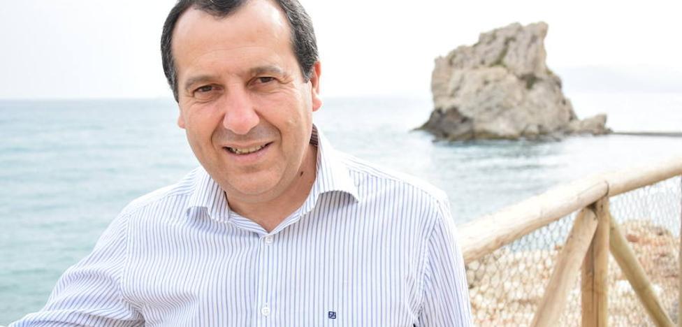 Ruiz Espejo opta a liderar el PSOE de Málaga con un proyecto «de renovación»