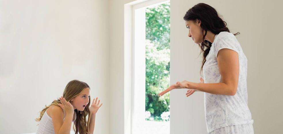 La técnica del sándwich para corregir con éxito a tu hijo