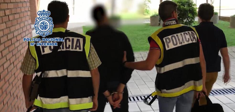 La polic a alerta del nuevo virus que se est propagando a for Piscinas portatiles carrefour