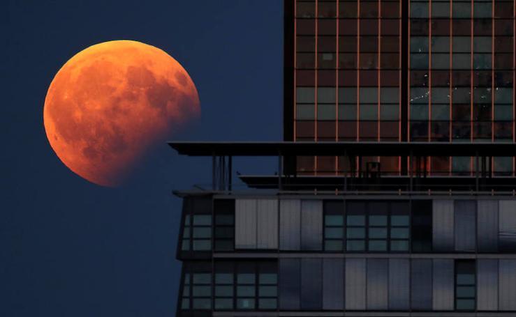 Así ha sido el segundo eclipse lunar del año