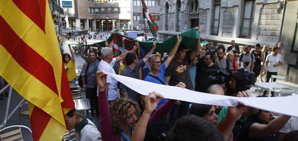 EH Bildu convoca una movilización en San Sebastián en apoyo al referéndum catalán