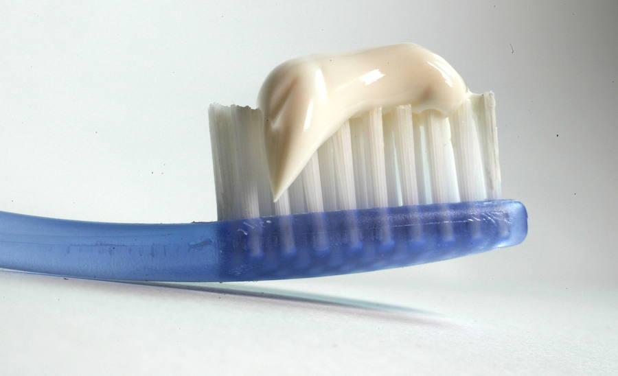El bulo de los colores en los tubos de pasta dental