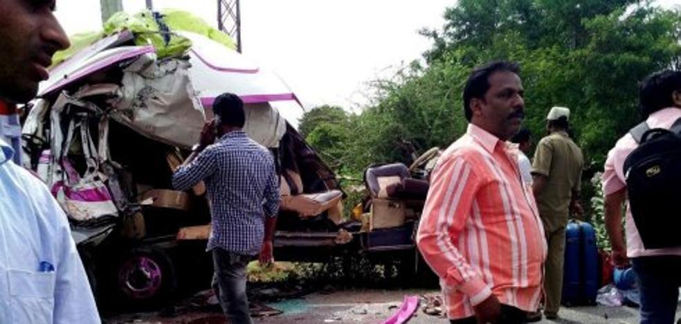 Los cuerpos de los fallecidos en la India llegan a España casi una semana después del accidente