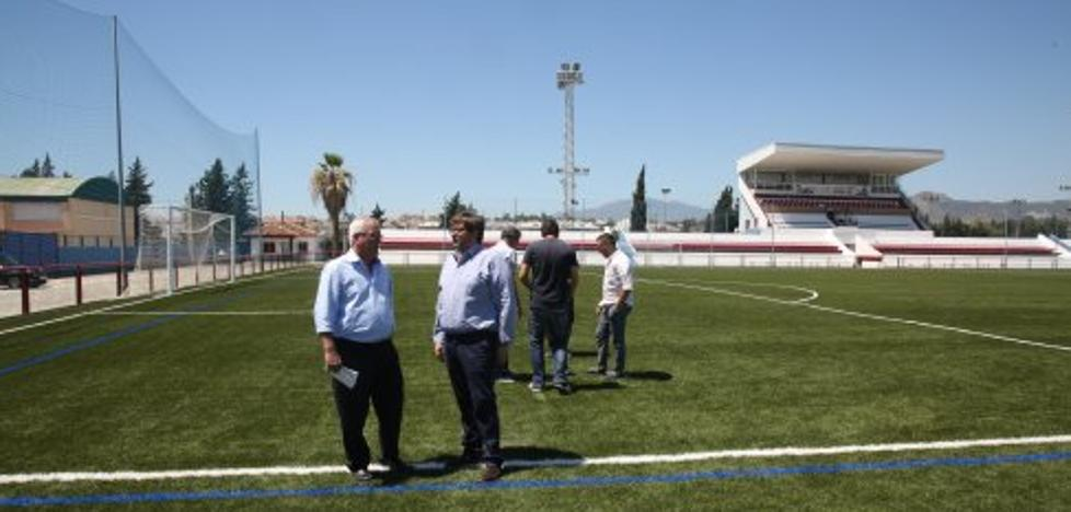 El Estadio Municipal de San Pedro estrena césped artificial