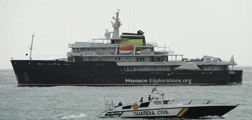 Un barco científico presidido por Alberto de Mónaco pernocta en Benalmádena