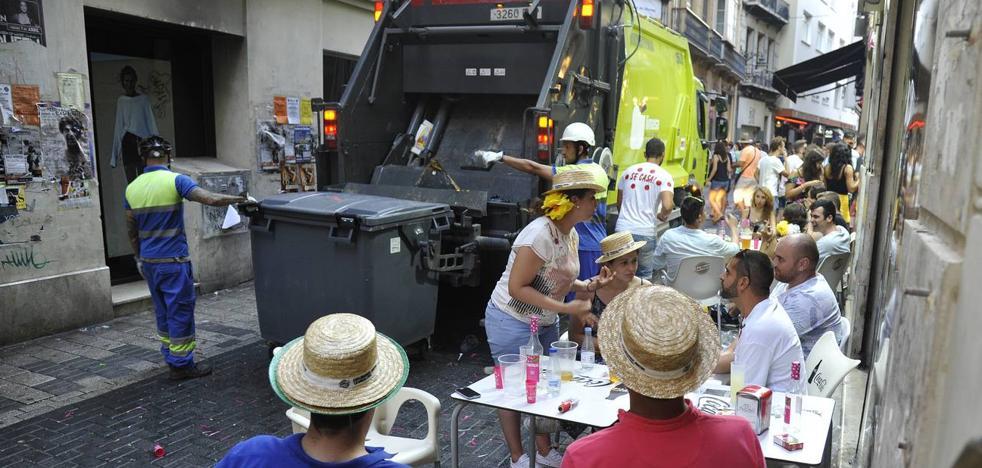 Fotos | Así quedó el Centro de Málaga tras la primera jornada de feria