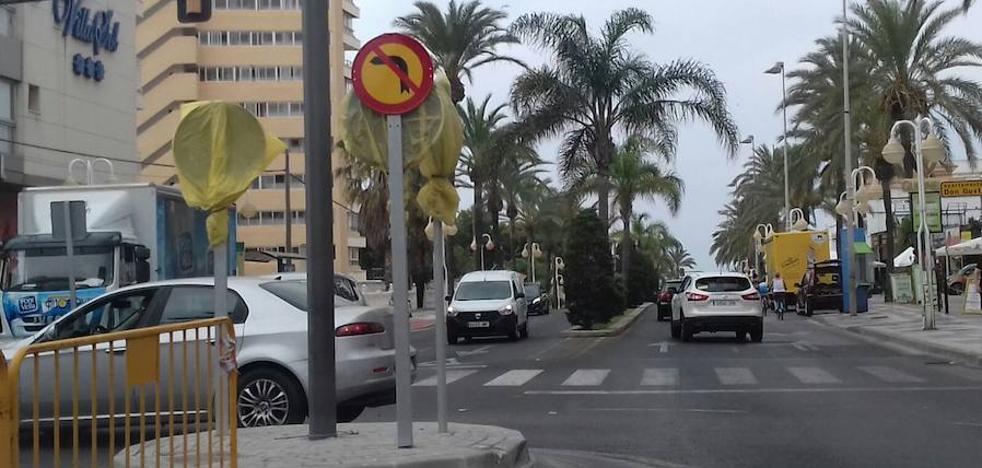Vecinos de Benalmádena reclaman la demolición de la rotonda de la avenida Antonio Machado por seguridad