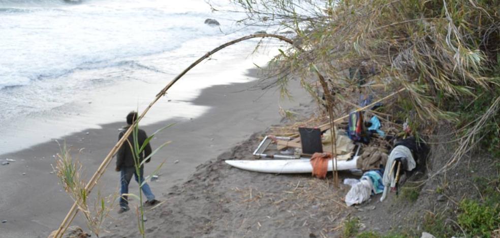 Denuncian molestias por asentamientos ilegales en las playas de Maro