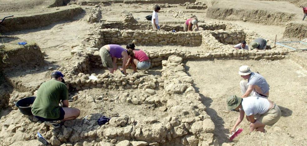 El Ayuntamiento de Málaga promueve un parque arqueológico en el Cerro del Villar