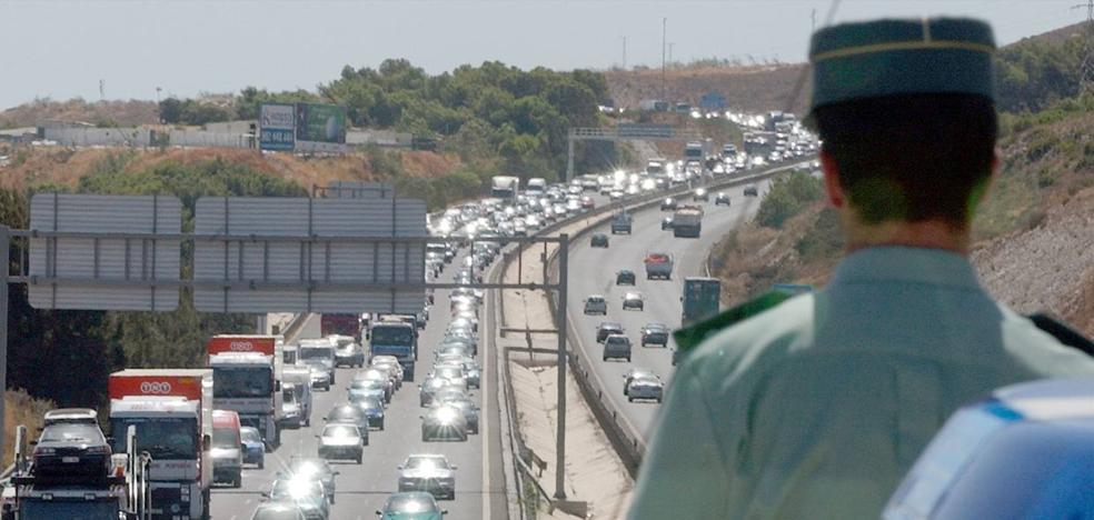 Inmovilizado un autobús con destino Benalmádena tras dar su conductor positivo en drogas
