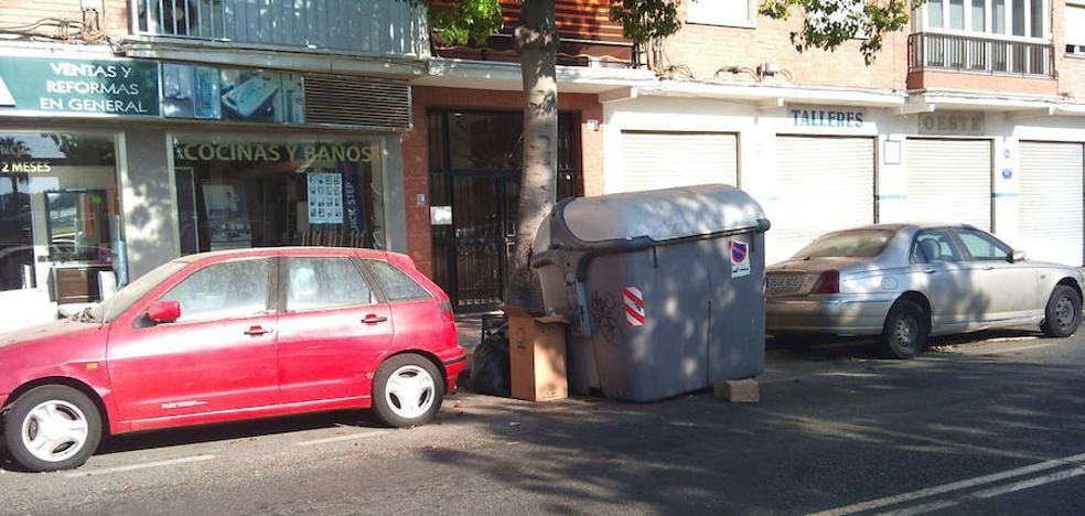 Detenido tras un accidente en Málaga sin carné, con matrícula falsa y papelinas de cocaína