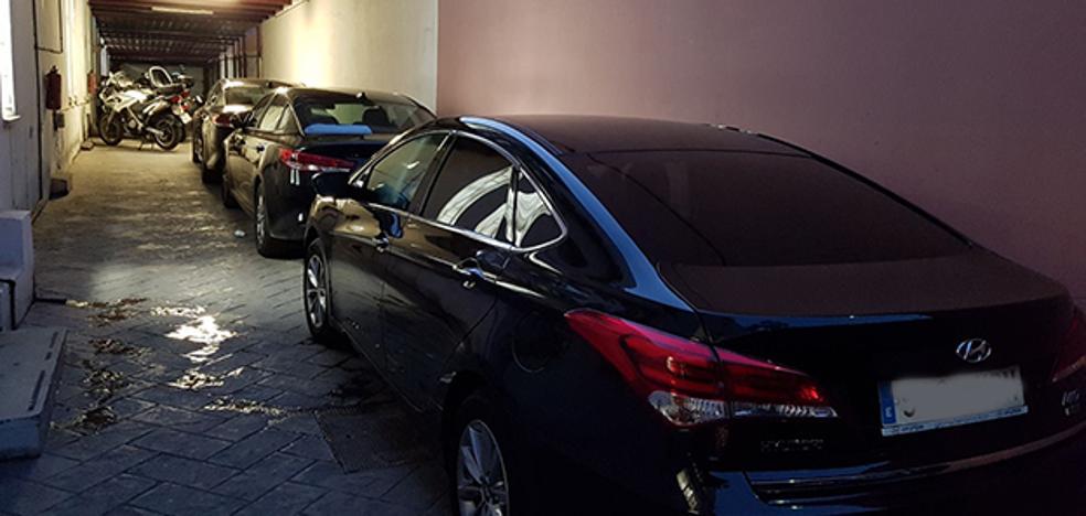 Sindicatos policiales denuncian el uso de sus instalaciones en Málaga para albergar vehículos de VTC