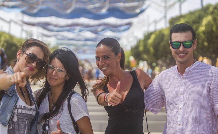 El ambiente en el Real de la Feria de este martes
