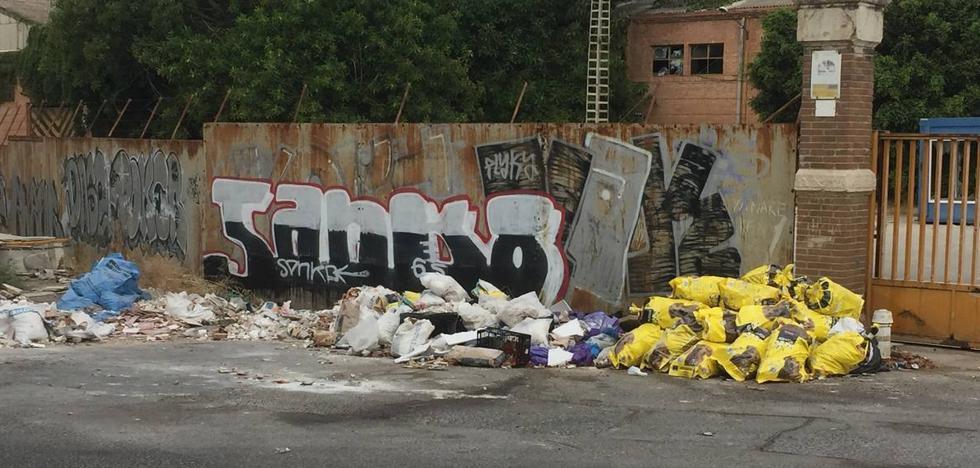 Fábrica como basurero