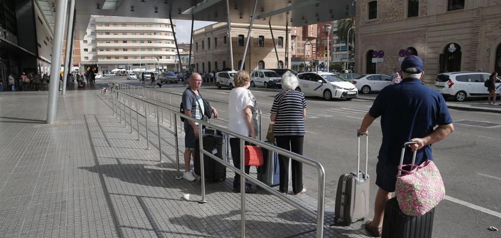 El sector del taxi en Málaga cifra las pérdidas por la huelga en 1,5 millones