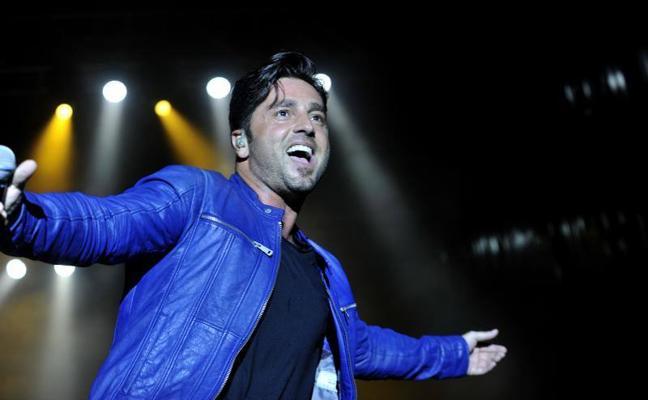 David Bustamante conquista al Auditorio Municipal en la Feria de Málaga