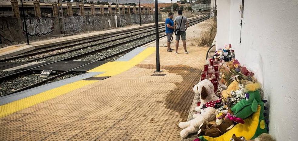 La familia de la pequeña Lucía Vivar hace un llamamiento para que los ciudadanos aporten información