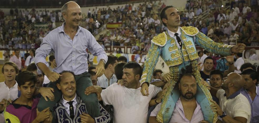 Ponce indulta a un toro y provoca el delirio en La Malagueta