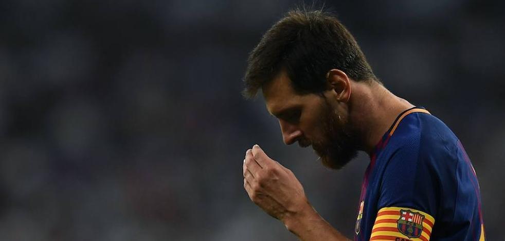 Messi, solo ante el juicio del estreno liguero del Barça