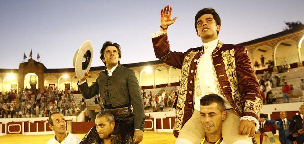 Diego Ventura y Joao Moura abren la puerta grande en la plaza de Antequera
