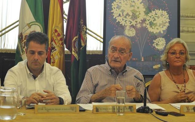 El alcalde reconoce una menor asistencia a la feria del centro de Málaga en esta edición