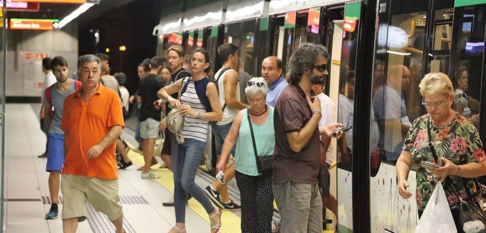 El metro transporta a 97.864 pasajeros durante la Feria de Málaga, un 12% más
