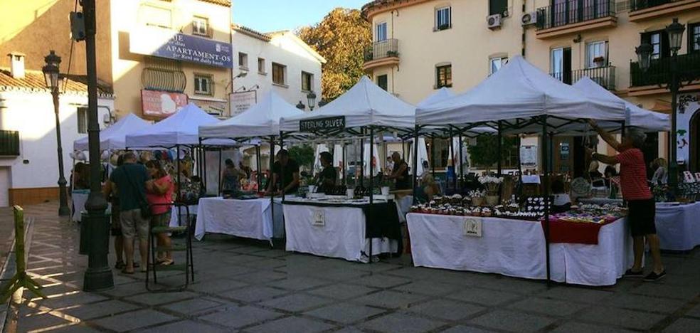 Artesanos locales acusan al Ayuntamiento de Torremolinos de favorecer a empresas de otras ciudades