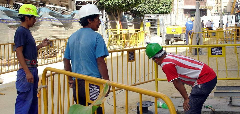 Los trabajadores extranjeros en Málaga ya superan a los que había antes de la crisis