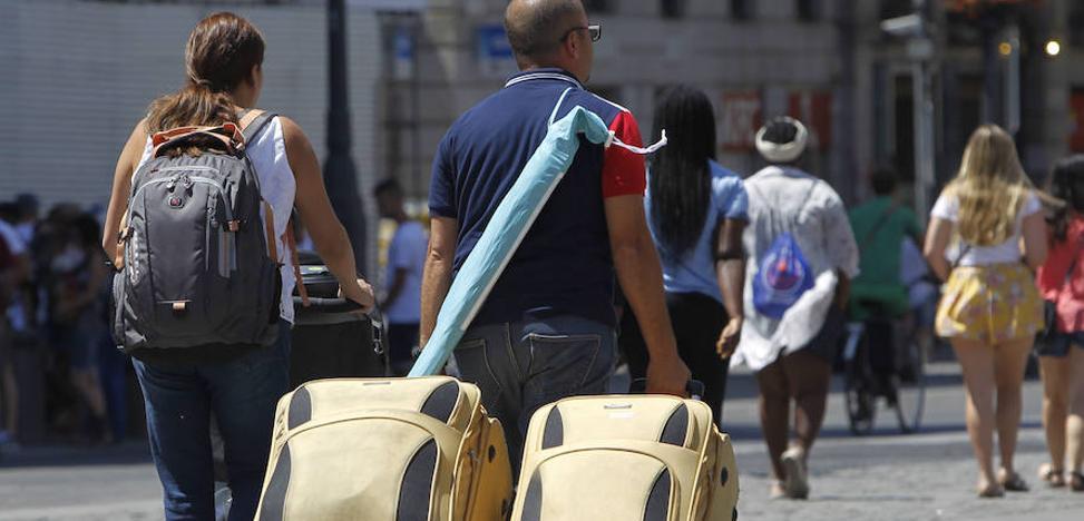 La Costa del Sol, líder en pernoctaciones hoteleras en zonas turísticas en julio