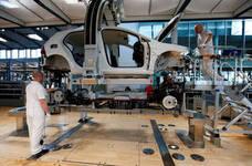 Volkswagen llama a reparar 281.000 autos en EE UU