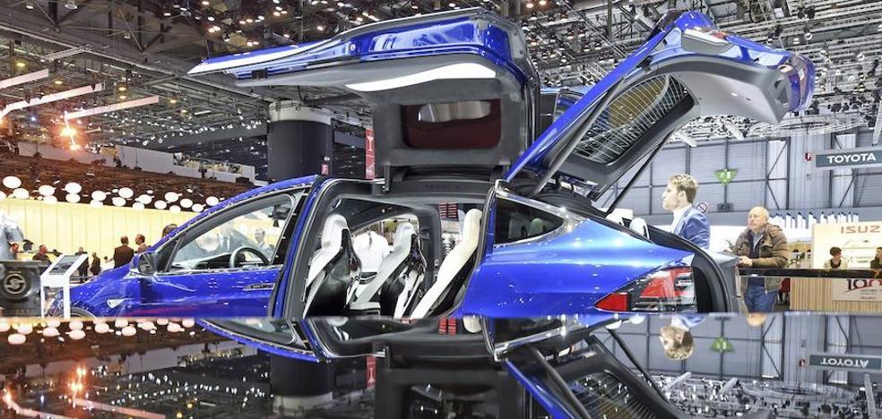 El Corte Inglés venderá vehículos de Tesla en Lisboa y Madrid