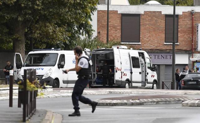 Hallan material explosivo en una operación antiterrorista en el sur de París