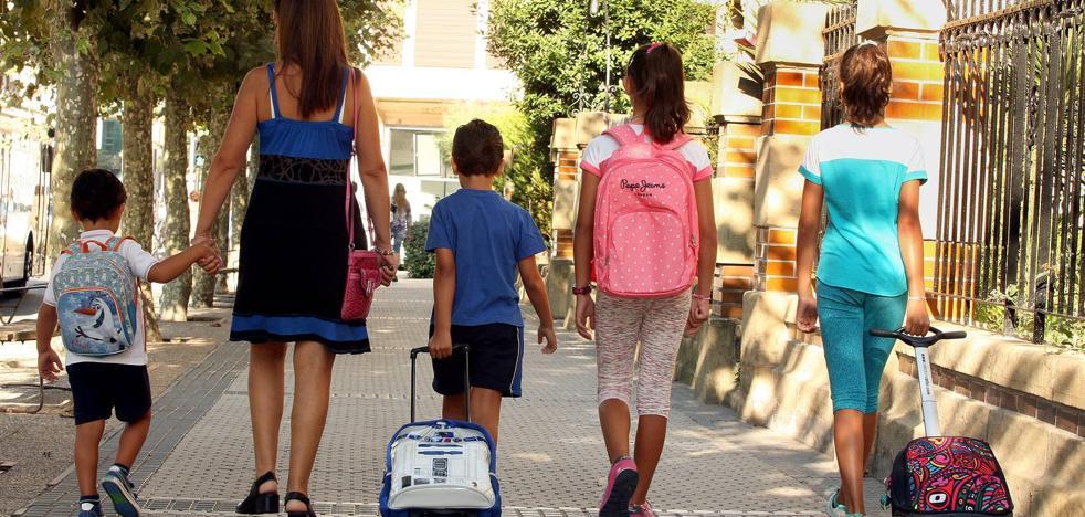 ¿Cuándo caen las vacaciones escolares este curso? ¿Qué puentes tendrán tus hijos?