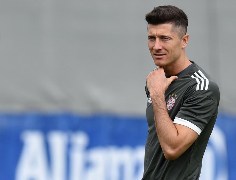 Rummenigge regaña a Lewandowski por criticar los fichajes del Bayern