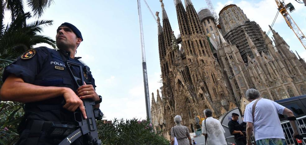 Los Mossos levantan el cordón de la Sagrada Familia tras una falsa alerta antiterrorista