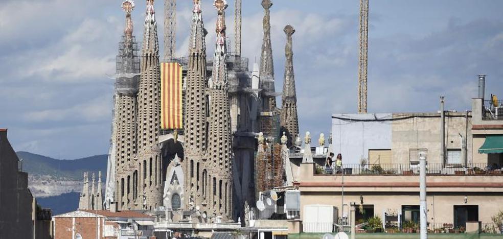 Acordonan entorno de la Sagrada Familia en marco de operativo antiterrorista