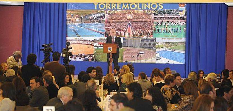 Torremolinos denuncia la presunta financiación encubierta de la Cena del Pescaíto