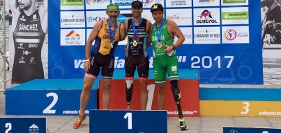 Raúl Zambrana, tercero en el triatlón paralímpico