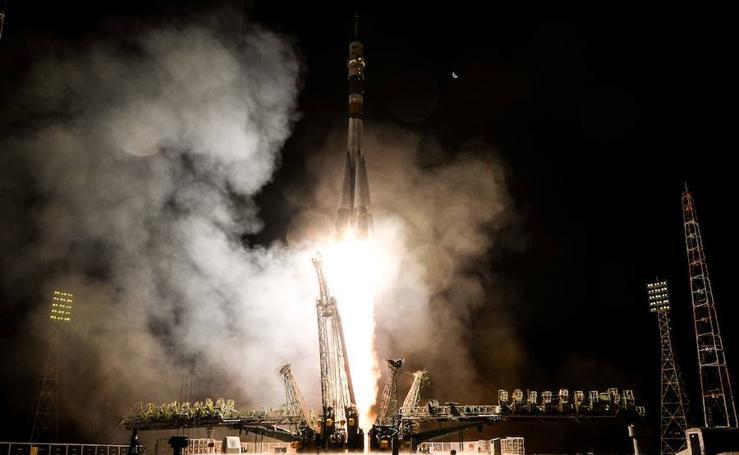 El lanzamiento de la nave espacial rusa, Soyuz MS-06