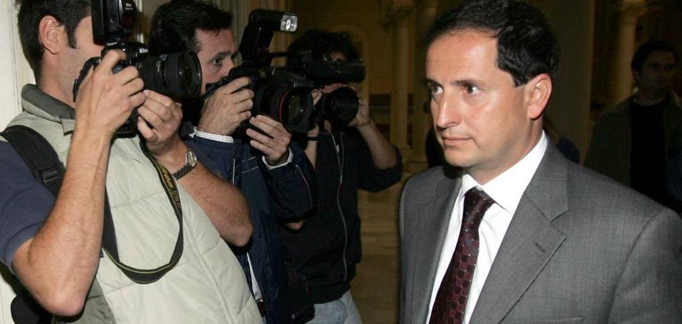La defensa de Carlos Fernández pide que se declaren prescritas sus causas tras 11 años prófugo