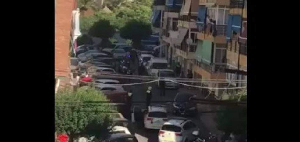 Detenido en una calle de Marbella armado con dos cuchillos