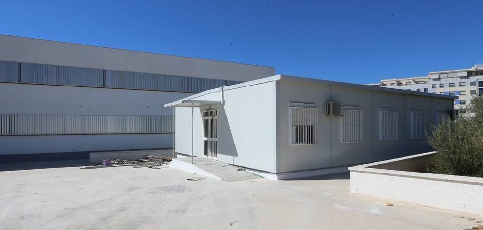 El curso en ESO comienza con prefabricadas en el Torre Atalaya y falta de aulas en el Bezmiliana