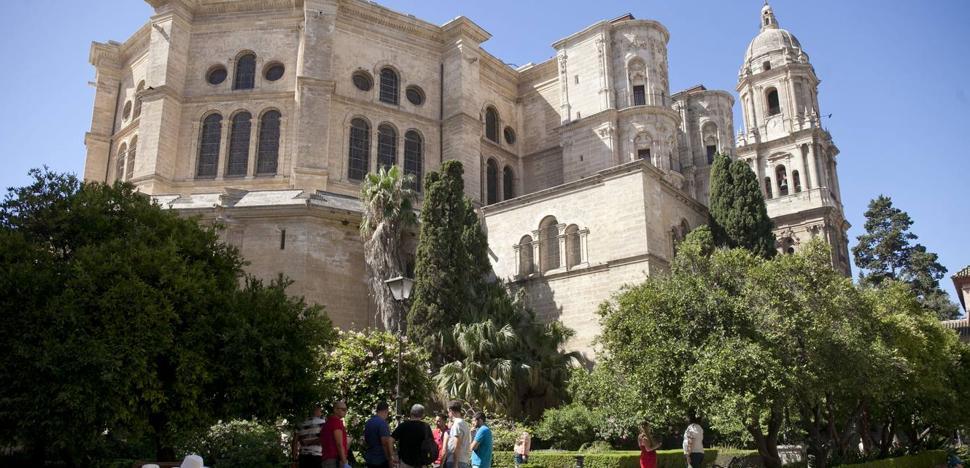 Aparece un hombre muerto en los alrededores de la Catedral de Málaga