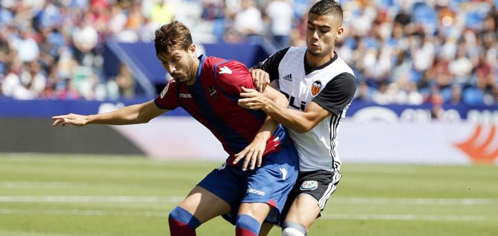 Valencia y Levante firman tablas en duelo parejo e intenso