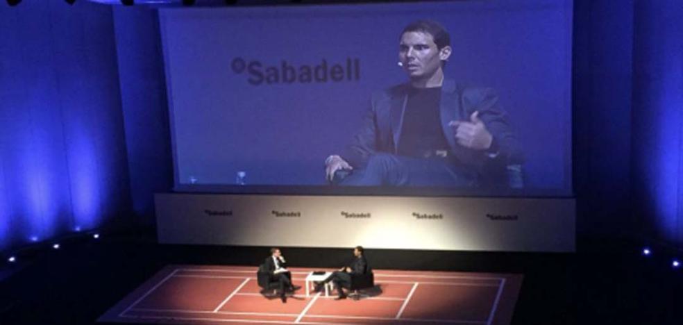 Sigue en directo el encuentro con Rafa Nadal hoy martes en Málaga, de Banco Sabadell